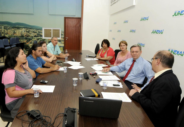 A reunião ocorreu nesta segunda-feira (14), no Paço Municipal