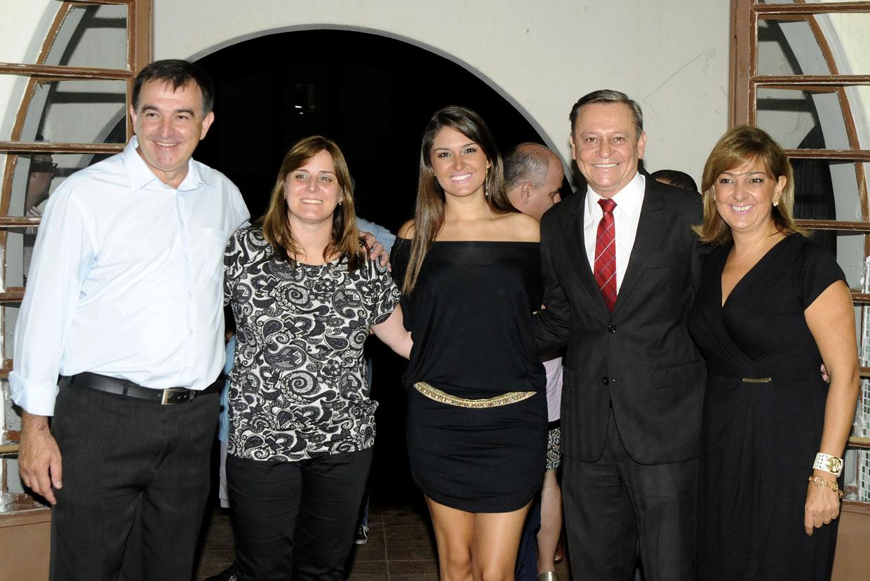 Amarildo e sua mulher Silvia com Patrícia, prefeito e sua mulher Margarete