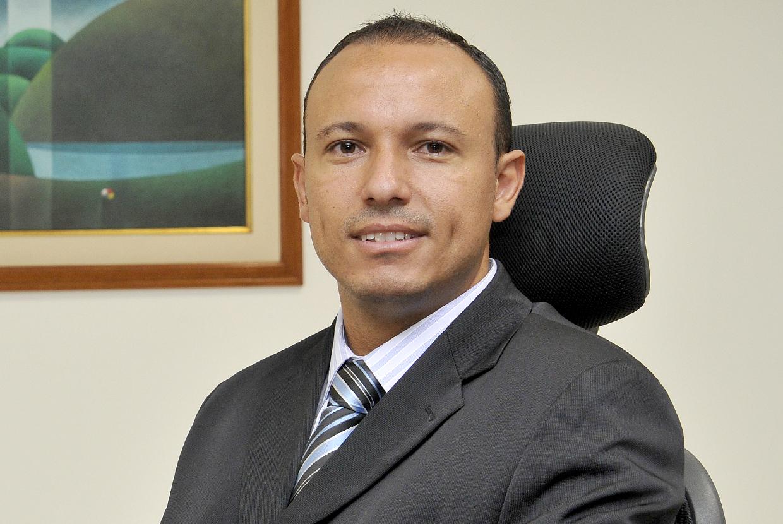 Adilton Garcia faz a convocação: mais de 600 processos