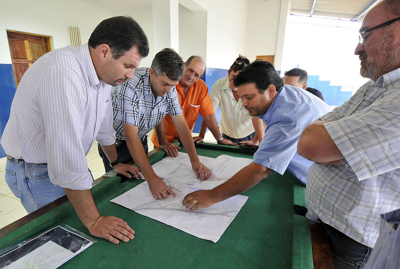 Secretário se reuniu com moradores e representantes de empreendimentos