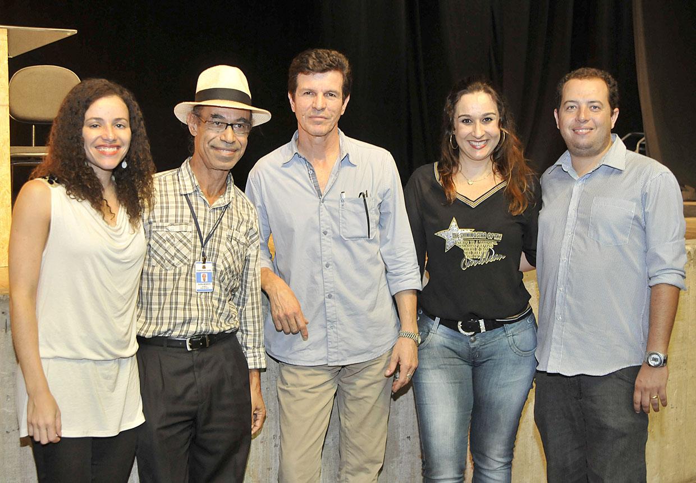 O secretário Tércio Marinho, ladeado pelos diretores da Cultura