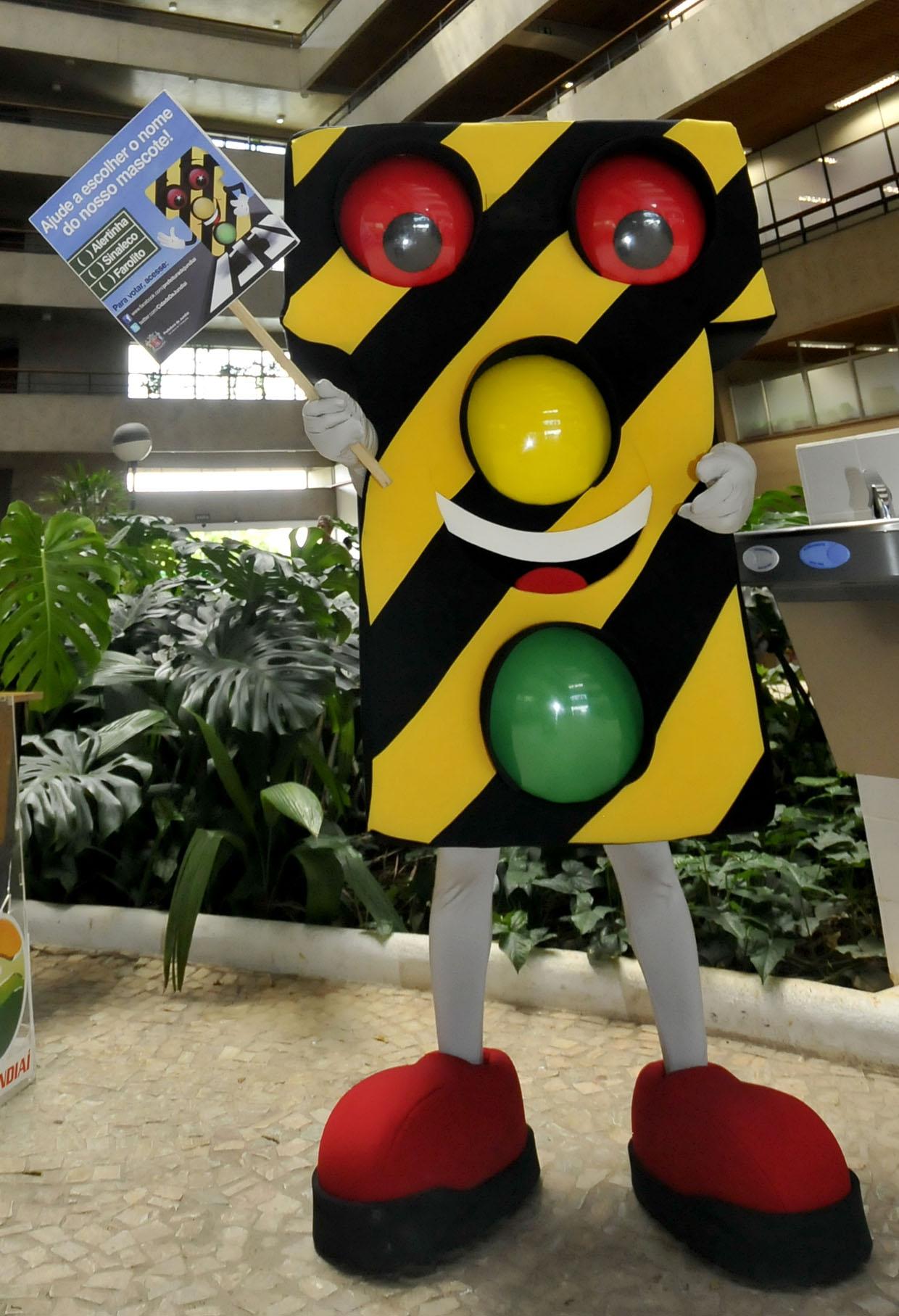 O mascote é o primeiro personagem da campanha de conscientização no trânsito