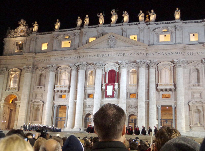 """""""Senti a emoção do povo todo que estava lá"""", afirmou o padre"""