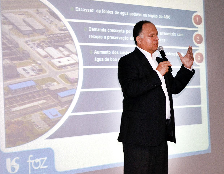 Marcos Asseburg, durante palestra no Ciesp