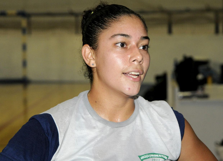A líbero Bianca reforça a equipe jundiaiense na temporada