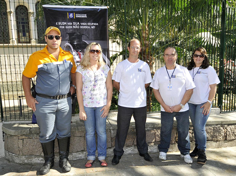 Stela, Marcos, Sueli, Wellington e Reinaldo: equipe integrada nas ruas