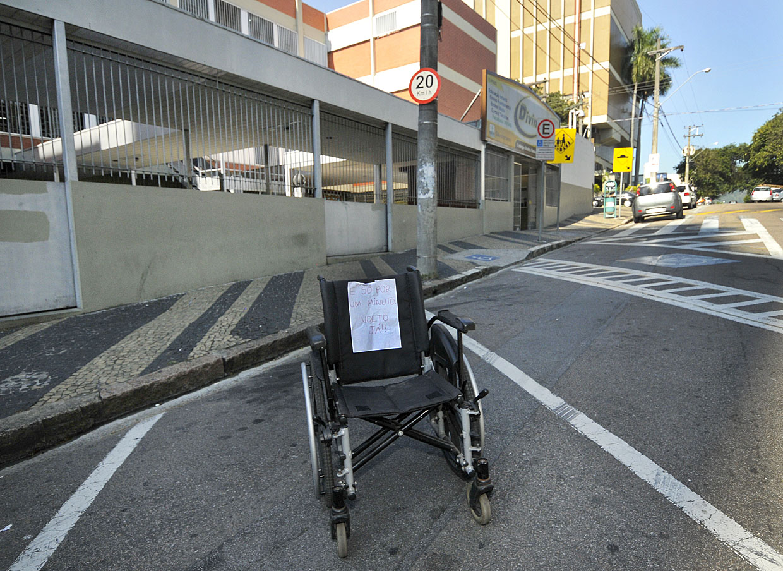 A cadeira de rodas no lugar do carro: um apelo que funcionou durante a campanha