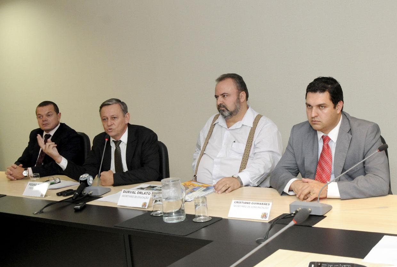 José Pires, prefeito Pedro Bigardi, Durval Orlato e Cristiano Guimarães