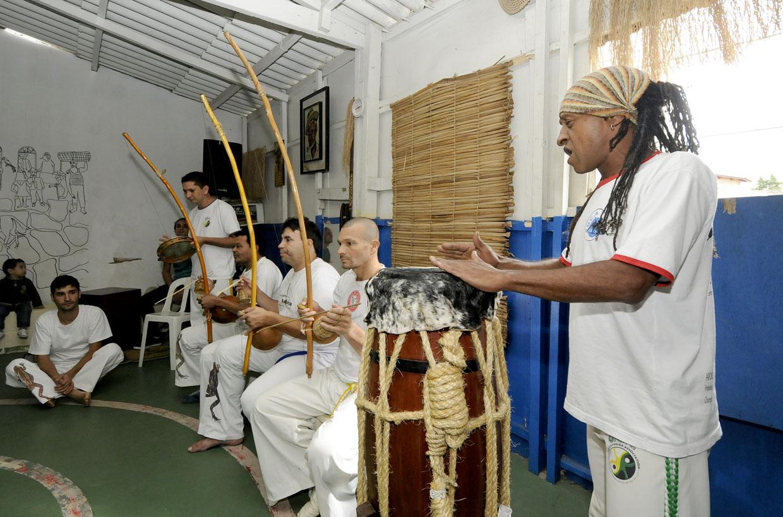 """Mestre Pássaro: """"A capoeira integra algo maior, que é a cultura brasileira"""""""