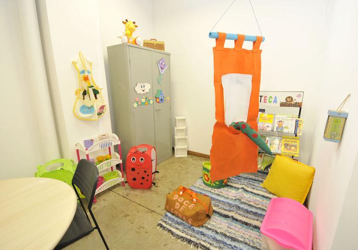 As salas preparadas para o atendimento às crianças