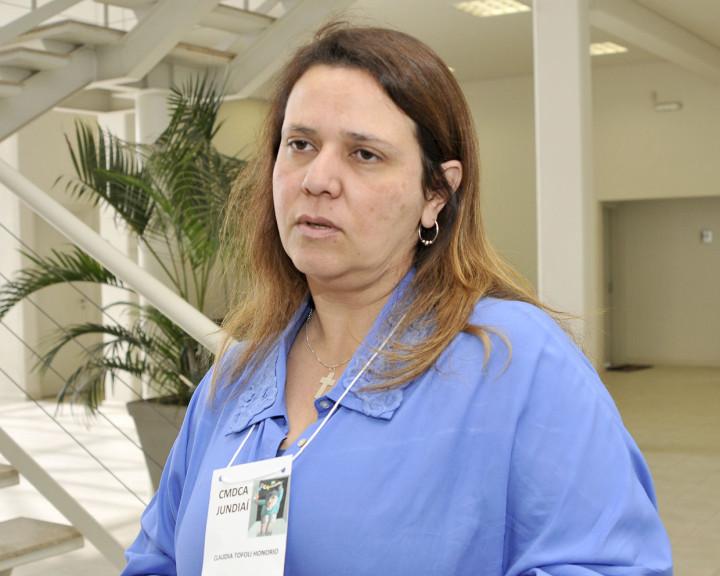 """Cláudia, presidente do CMDCA: """"Envolver a sociedade"""""""