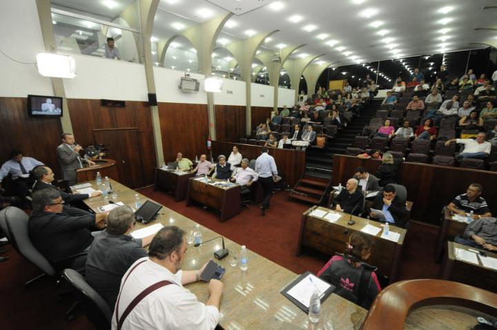 População participa da audiência realizada na Câmara