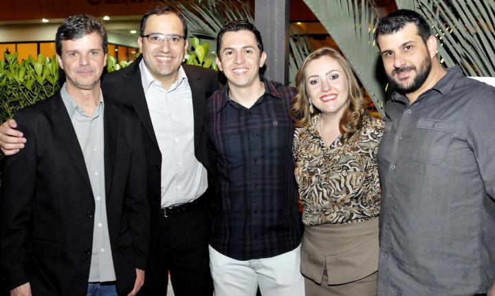 Marcos Freitas, Thiago Godinho, os apresentadores e Rafael Zochetti
