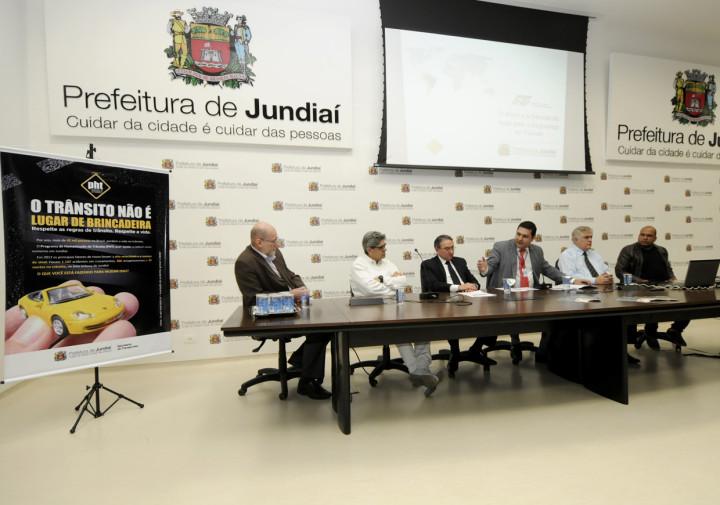 Secretários e vereadores participaram da abertura da Semana de Trânsito