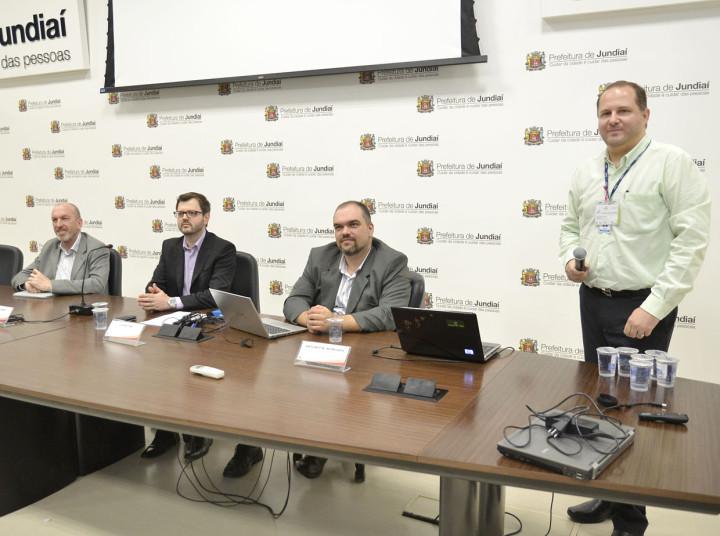 Gilberto Novaes e palestrantes apresentam protocolo IPV6