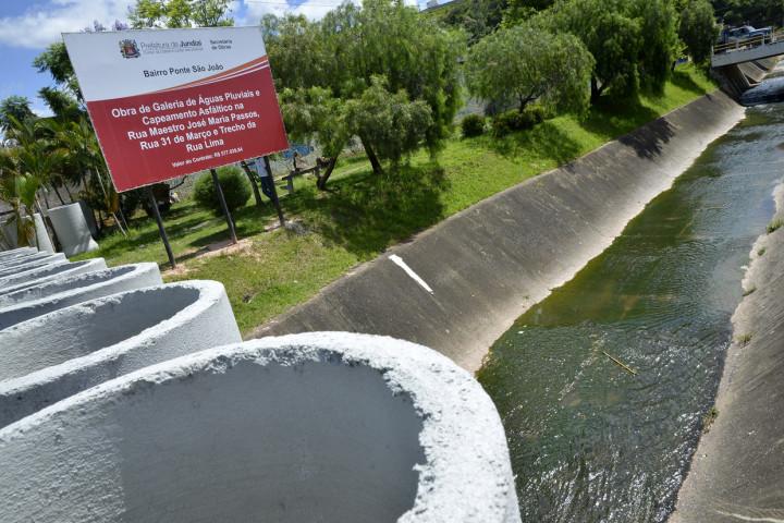 Obras vão resolver problemas de inundação no bairro