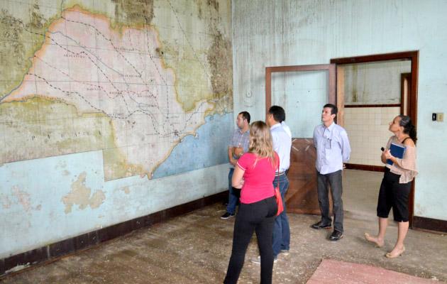 Secretários e representantes do governo municipal participaram de uma visita pelo Complexo Fepasa
