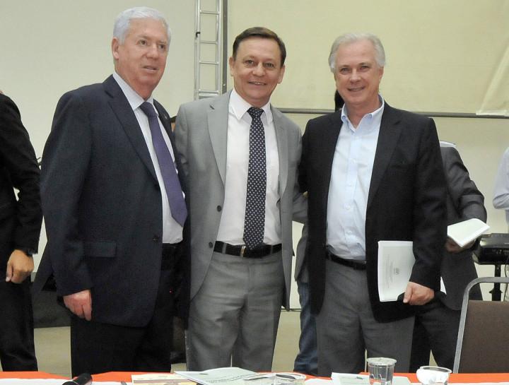 Prefeito de Campo Limpo, José Roberto de Assis e Luiz Pedretti (Emplasa) parabenizam Bigardi