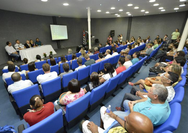 Mais de 150 pessoas participaram da audiência pública