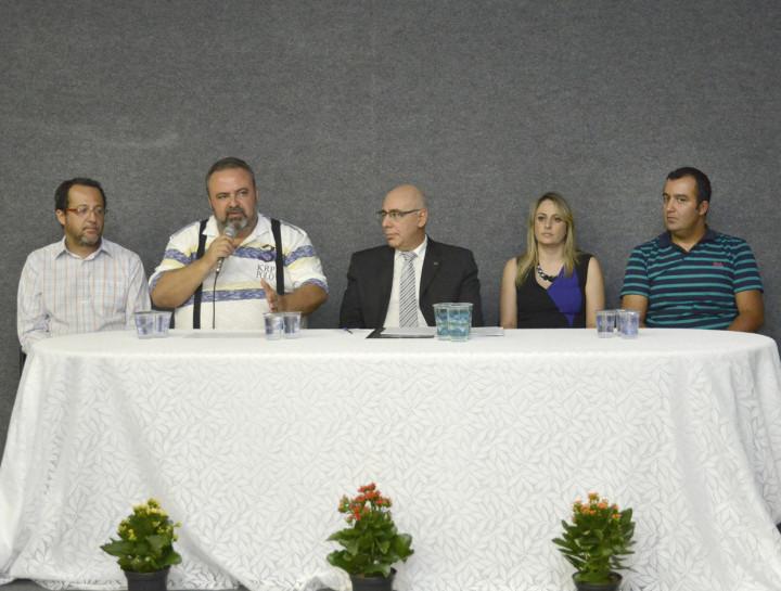 O secretário Durval Orlato conduziu a audiência ao lado de representantes do Instituto