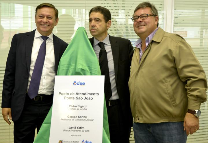Pedro Bigardi, Jamil Yatim e Gerson Sartori na inauguração do posto da Ponte São João