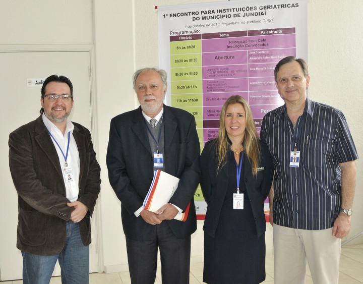 Alexandre, Gerson, Adriana e Trad no evento de 2013: cuidados ao idoso