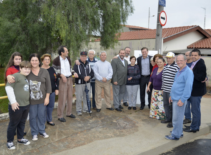 Ao final, moradores se reuniram para uma fotografia