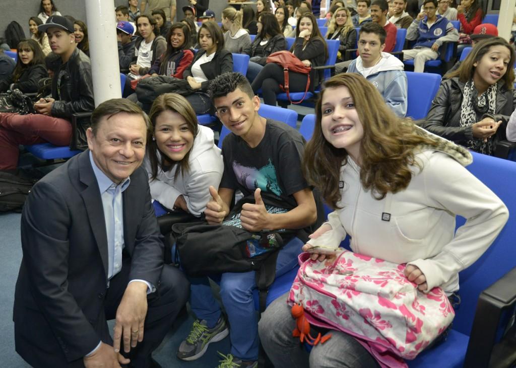 Prefeito Pedro Bigardi: construção de políticas públicas para juventude