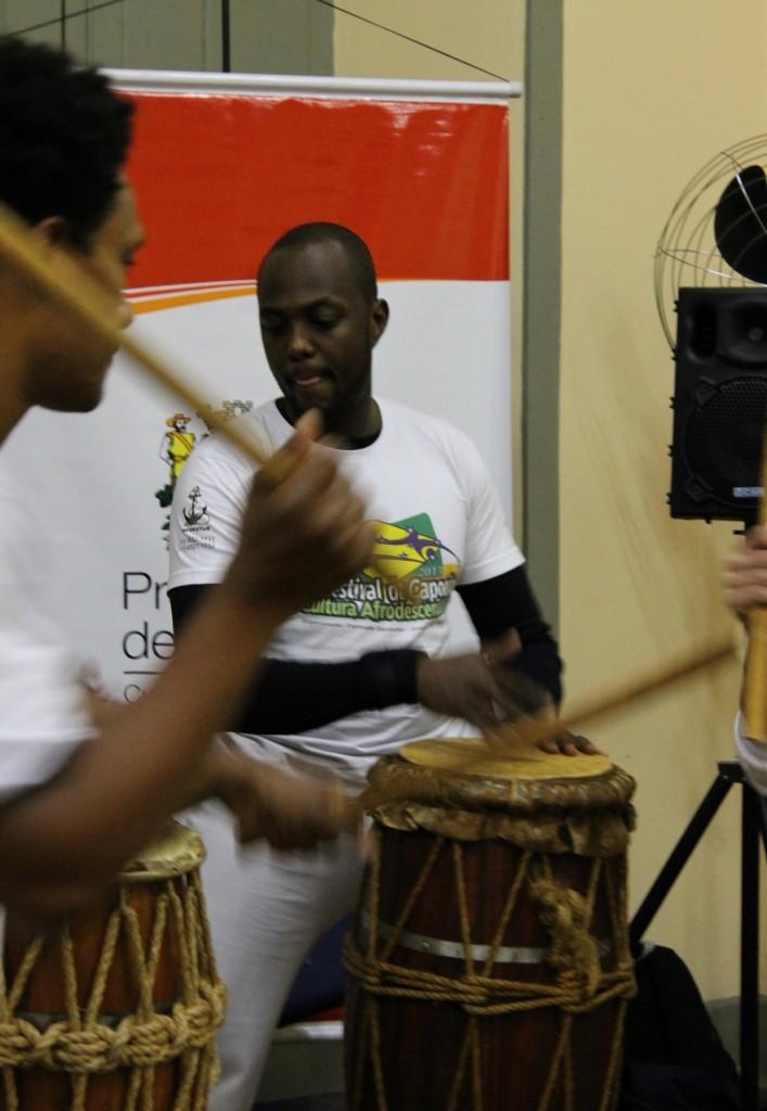 Grupo de capoeira encerrou as apresentações do sarau no museu