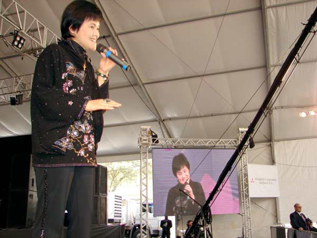 Cantora japonesa fez questão de voltar à Feira da Amizade