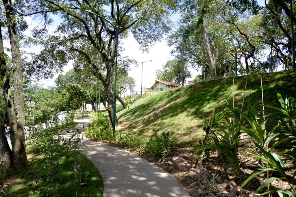 Moradores poderão usufruir de uma pista de caminhada de 870 metros