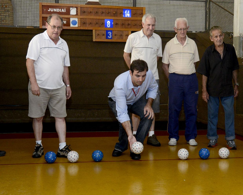 Secretário participou de uma partida com jogadores
