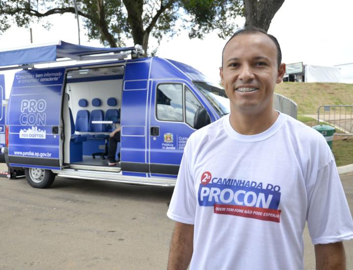 Adilton Garcia: Procon Móvel atende a população na Festa da Uva