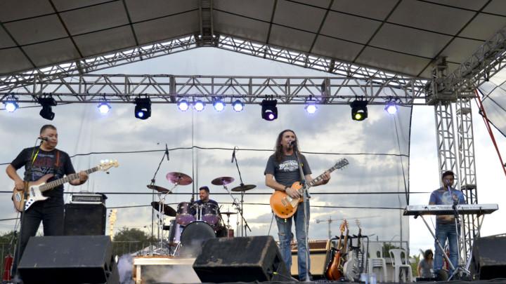 Banda Reprise Inédita fez viagem no tempo na 32ª Festa da Uva