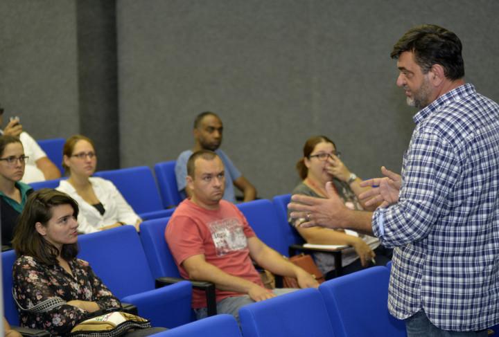 Estudantes, técnicos e moradores são alvo das palestras