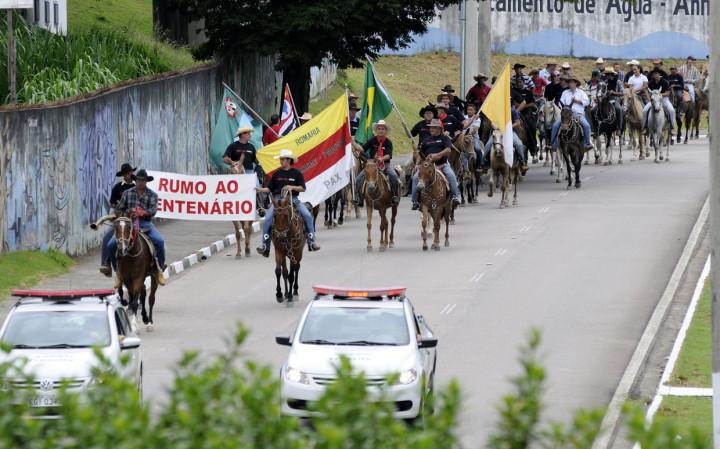 Cavalgada de 2013 reforçou o centenário da romaria