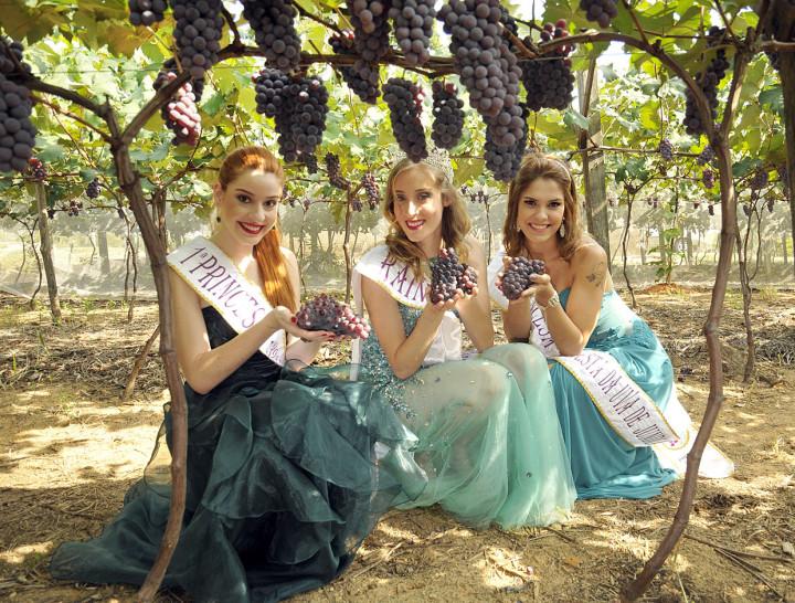 A rainha Grayce Guerini e as princesas Stephany Corsino e Letícia Branco convidam para a festa