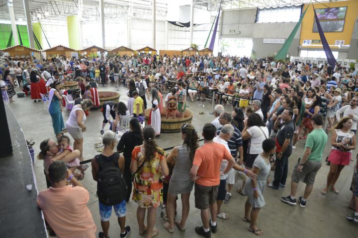 Atrações encantam visitantes da Festa da Uva deste domingo (1º)