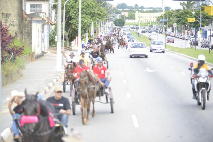 Cavalgada da Uva invade ruas de Jundiaí