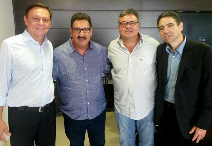 Apresentador faz visita ao prefeito Pedro Bigardi