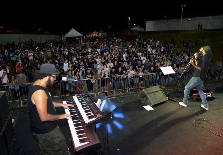 Os shows na noite de sábado atraíram um grande público