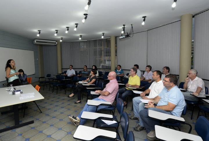 Plano de Habitação é apresentado na associação