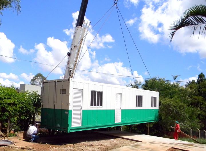 Instalação do equipamento que pesa 7,5 toneladas: inovação