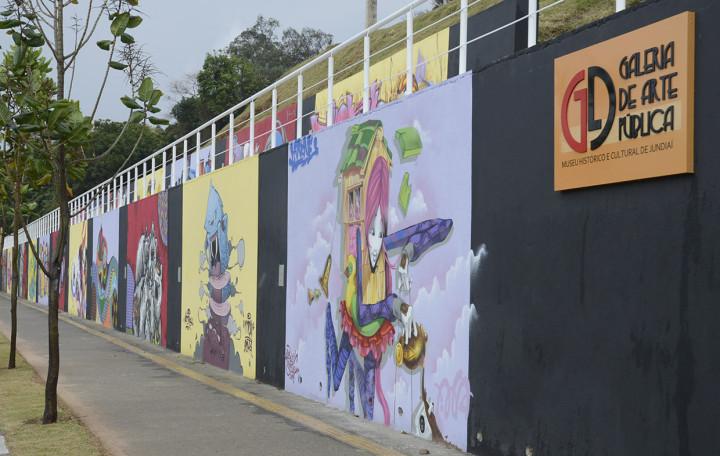 Galeria tem 20 painéis feitos por artistas de Jundiaí e região