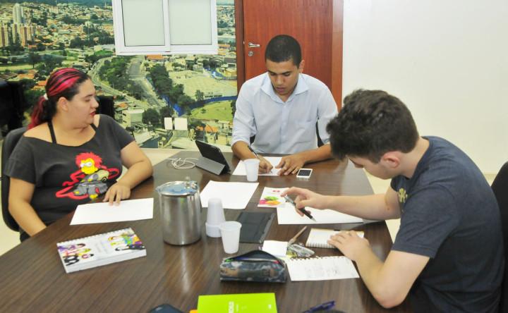 Conselheiros se reunem em preparação para o 1º Estação Geek