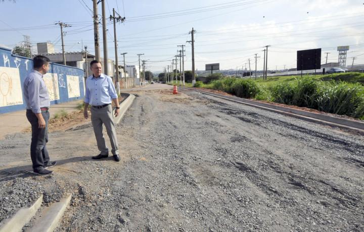 Trecho recebe asfalto e drenagem