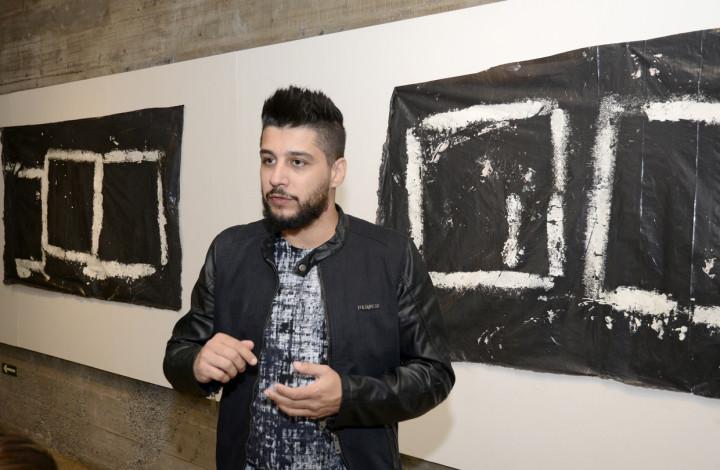 Artista renomado brinda o público com exposição