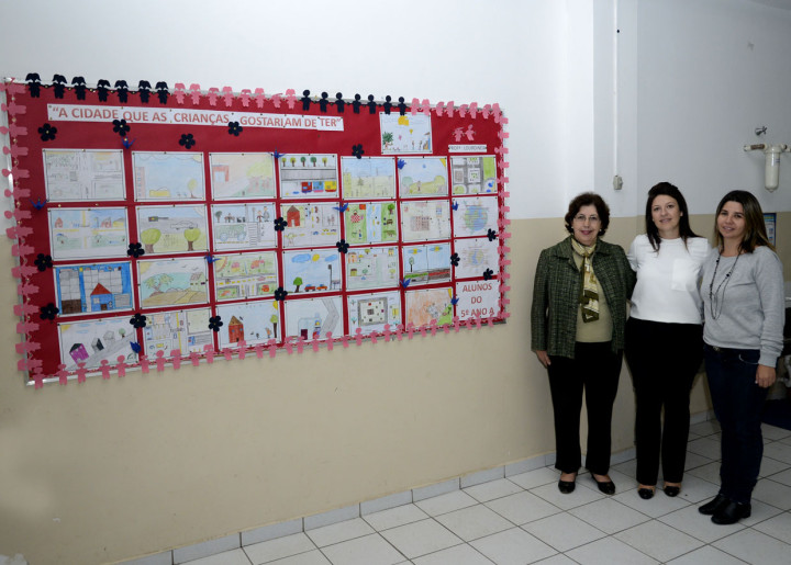 Painel: plano inspira trabalhos escolares