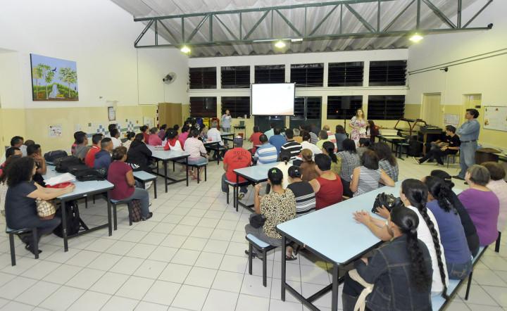 A oficina no Jardim Tarumã reuniu moradores de diversos bairros
