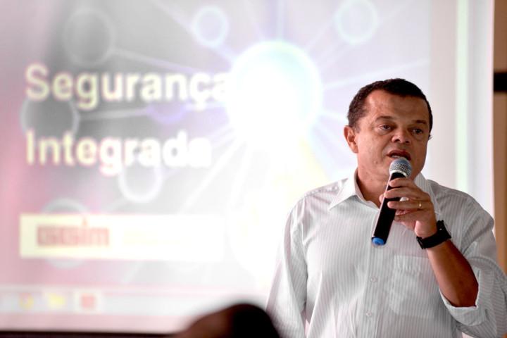 """O coordenador Zeca Pires explica o plano: """"Município e comunidade não podem se omitir nesse tema"""""""